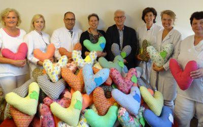 MGH-Aktion mit viel Herz – 106 Kissen für Brustkrebspatientinnen