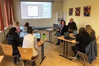 Andrea Stullich (CDU) besucht Mehrgenerationenhaus in Saerbeck