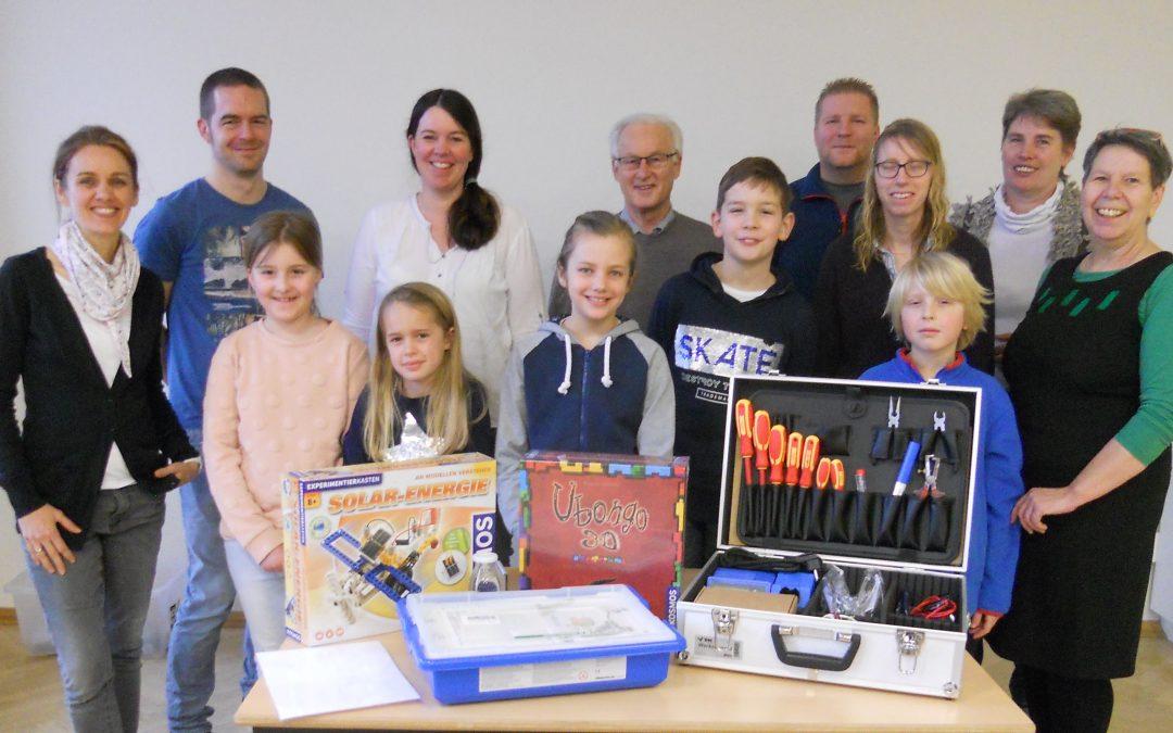 Gelungener Start der eXperimenta-Werkstatt für kleine und große Forscher  – Kinder und Eltern experimentieren und bauen gemeinsam im MGH-