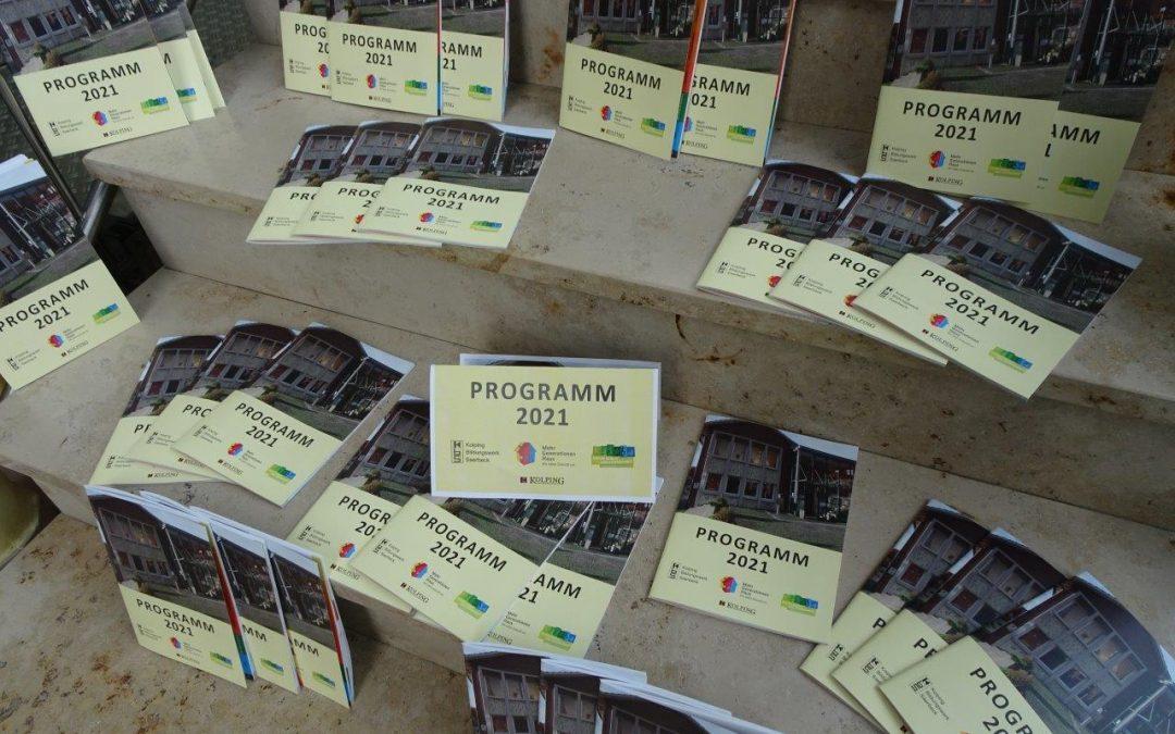Kolping-Bildungswerk verteilt neues Programm 2021 am Freitag auf dem Markt
